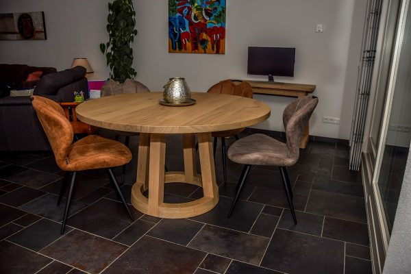 Massief eiken houten design tafel eetkamer keuken kruispoot rond