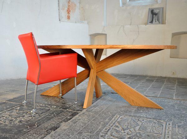 Massief eiken houten design tafel eetkamer keuken kruispoot ovaal