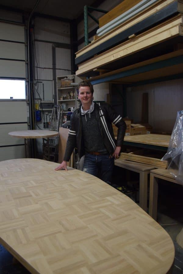 Jeroen Jacobs massief eiken noten houten design eetkamer tafel