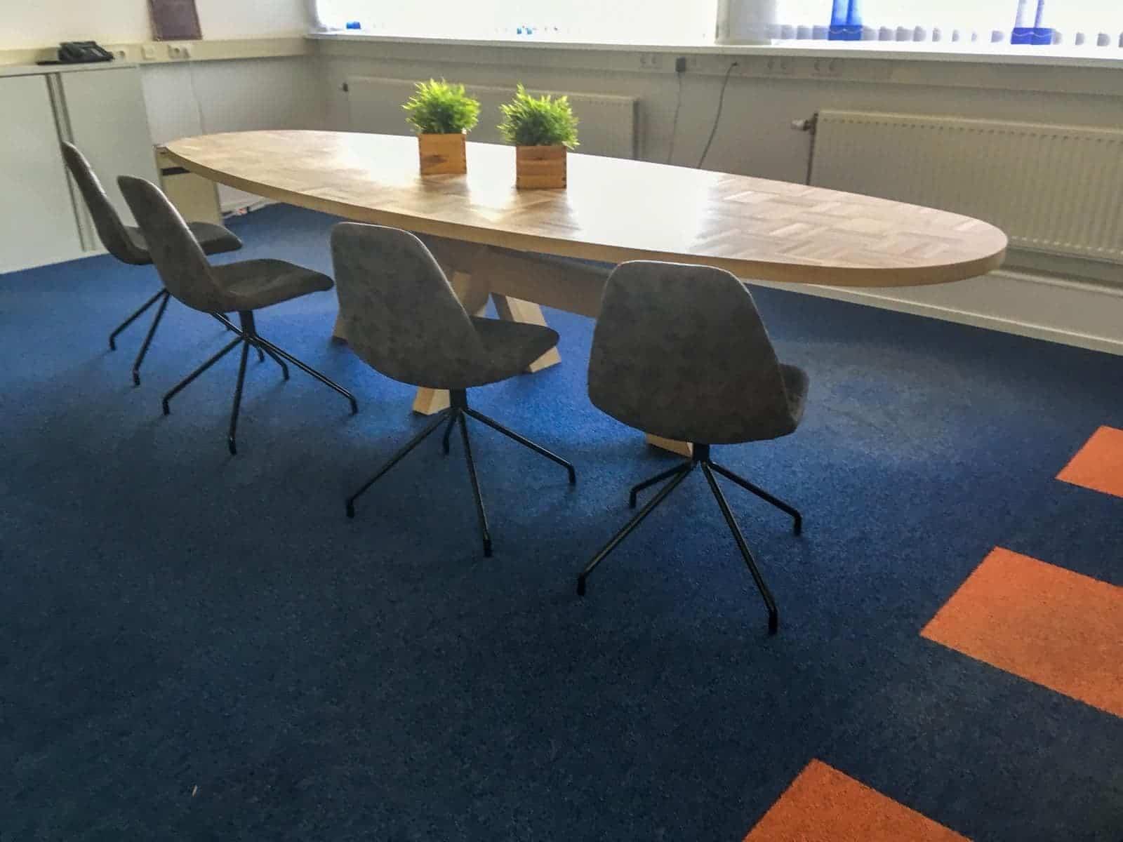Massief eiken houten eikenhouten rechte rechthoek eetkamer keuken tafel tafels design jeroenJacobs