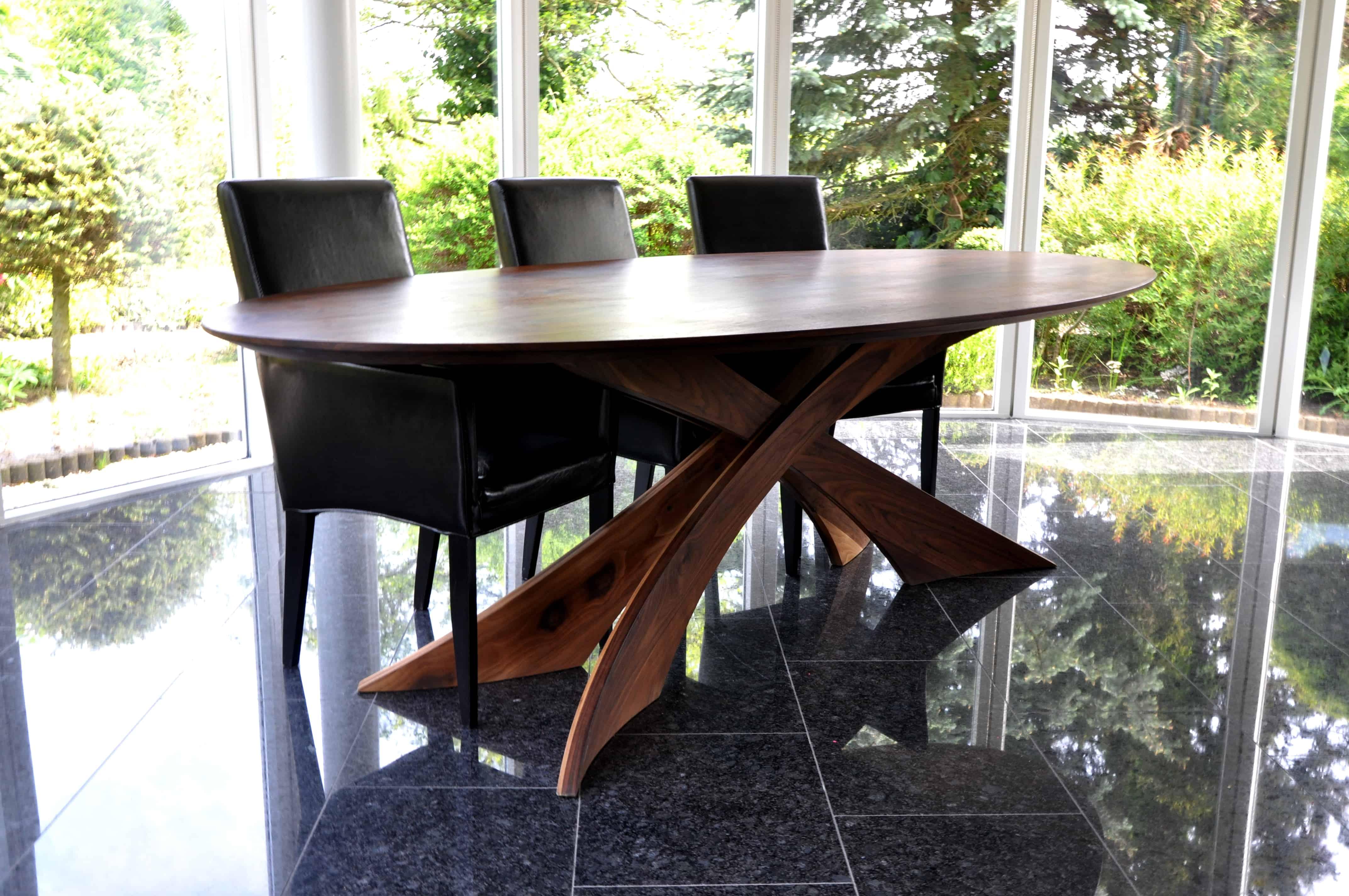 Massief noten houten notenhouten rechte rechthoek eetkamer keuken tafel tafels design