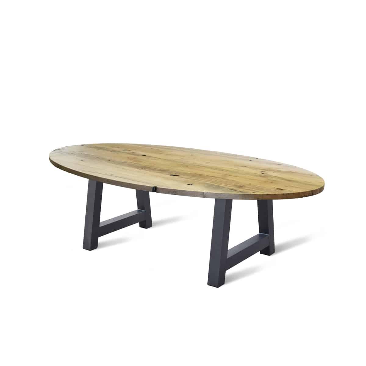 massief ovale eiken houten industriele boomstam tafel eetkamer keuken